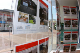 Hannells Estate Agents - Hardy Signs - Window Signs